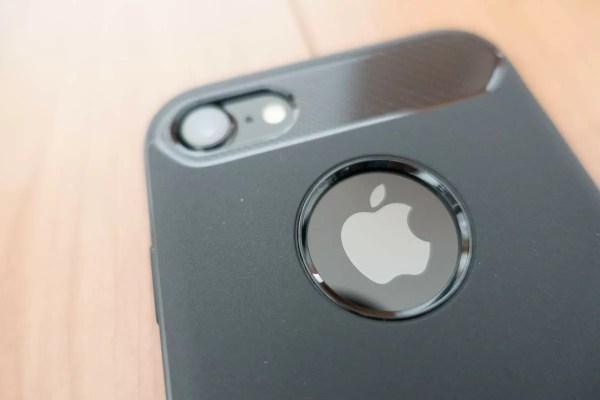 Appleロゴとカメラが美しい