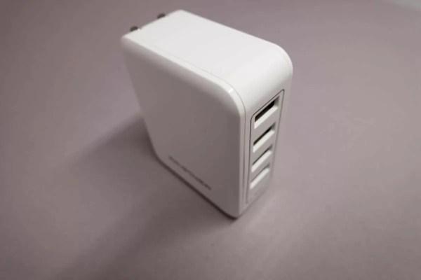 RAVPower『40W 4ポートUSB充電器』