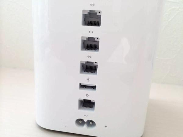 有線LAN端子なども搭載
