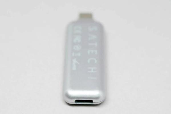 背面にもUSB-TypeCポート