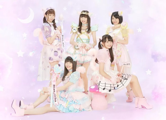 1stアルバム『うるチョコ』衣装