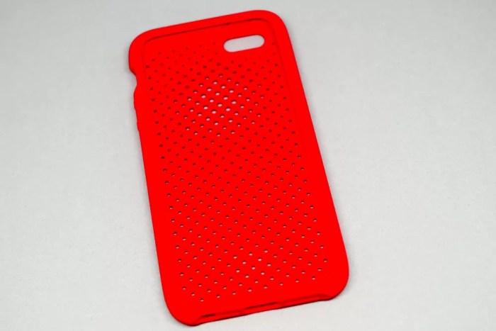 『Mesh Case for iPhoneSE』(前面から)