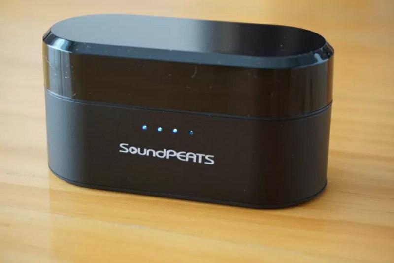 SoundPEATS(サウンドピーツ) Truengine Bluetooth イヤホン 充電ケースがフル充電状態