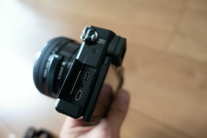 外部端子はmicro-USB