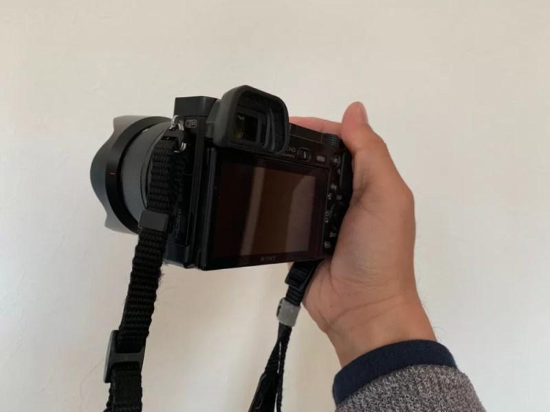 ちゃんと構えられるカメラ