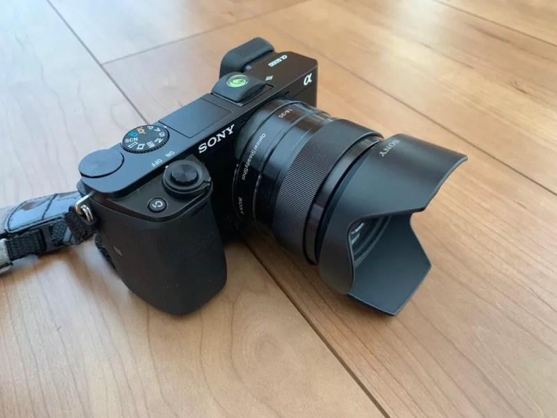 カメラの基本は「ブラック」