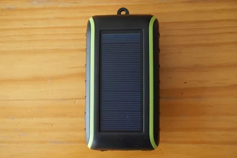【Chargi-Q mini(チャージックミニ)ソーラーチャージャー モバイルバッテリー 】ソーラーパネル