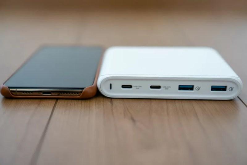 iPhone XS Maxとサイズ比較(厚さ)