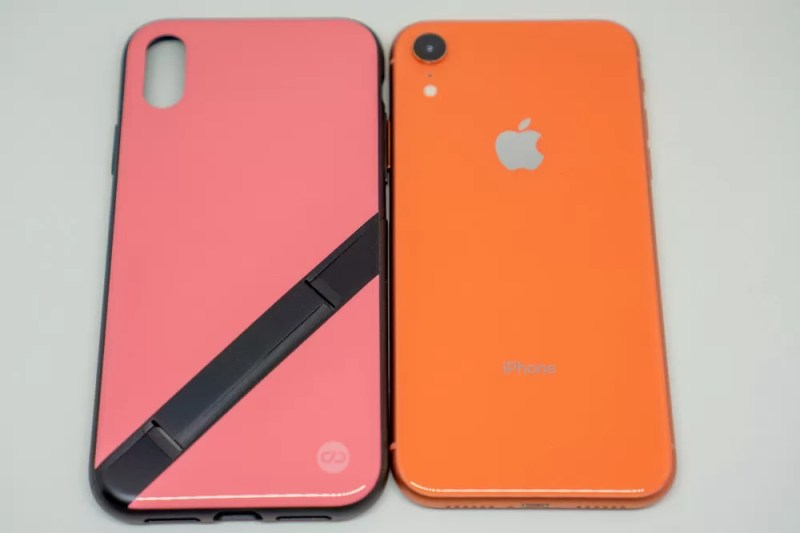 iPhone XRコーラルと比較