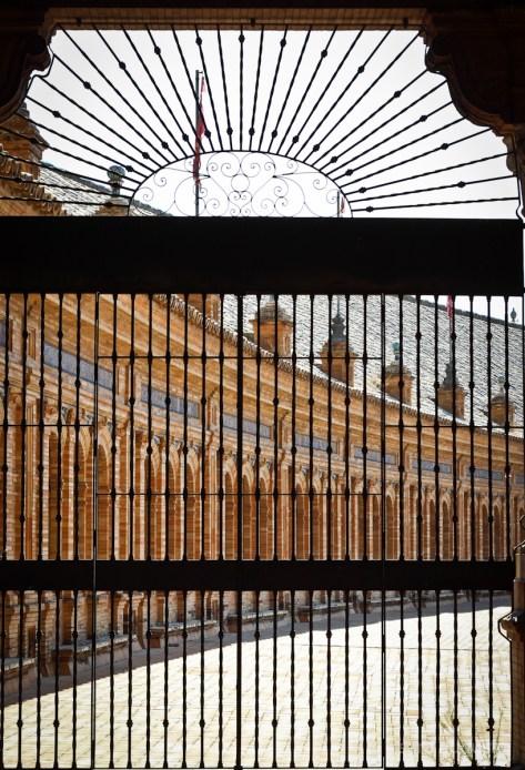 Plaza de España sara augusto 7