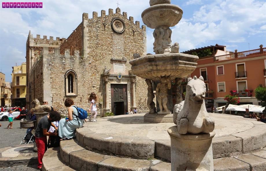 taormina-sicilia-o-que-fazer-piazza-duomo