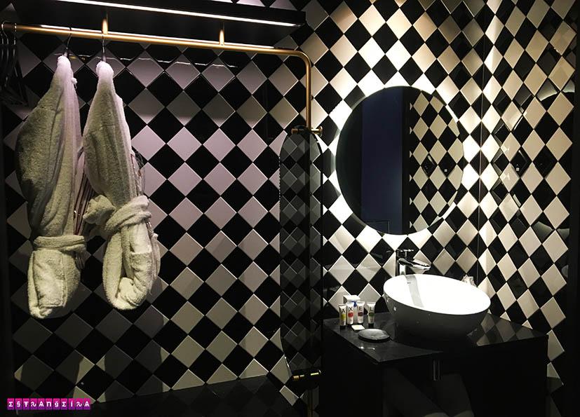 Axel-Hotel-Madrid-banheiro