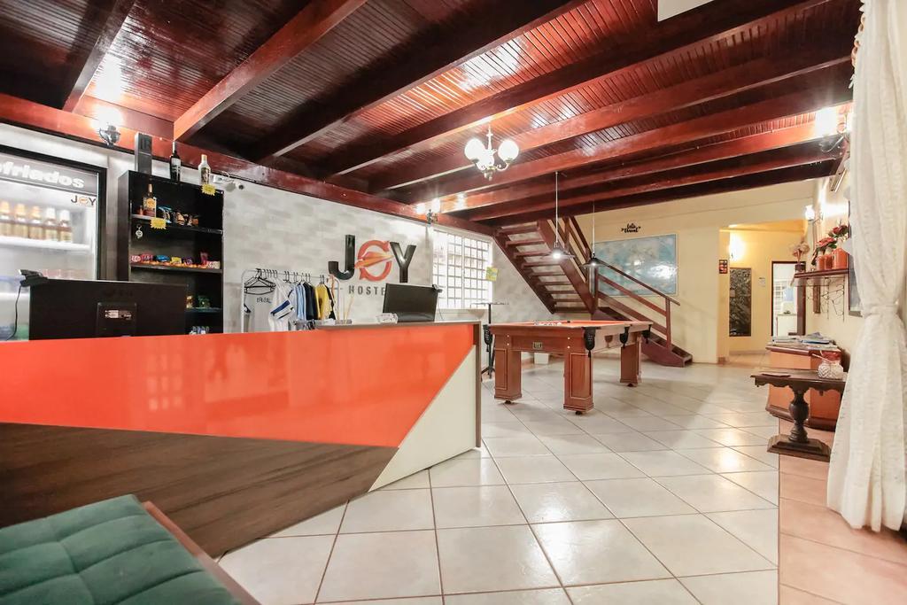 onde-ficar-em-brasilia-joy-hostel-sala