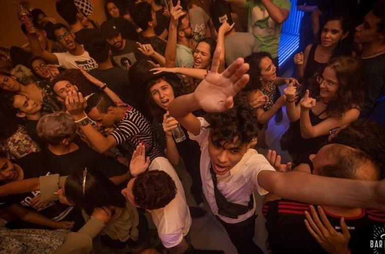 recife-lgbt-gay-lesbica-boate-festa-bar