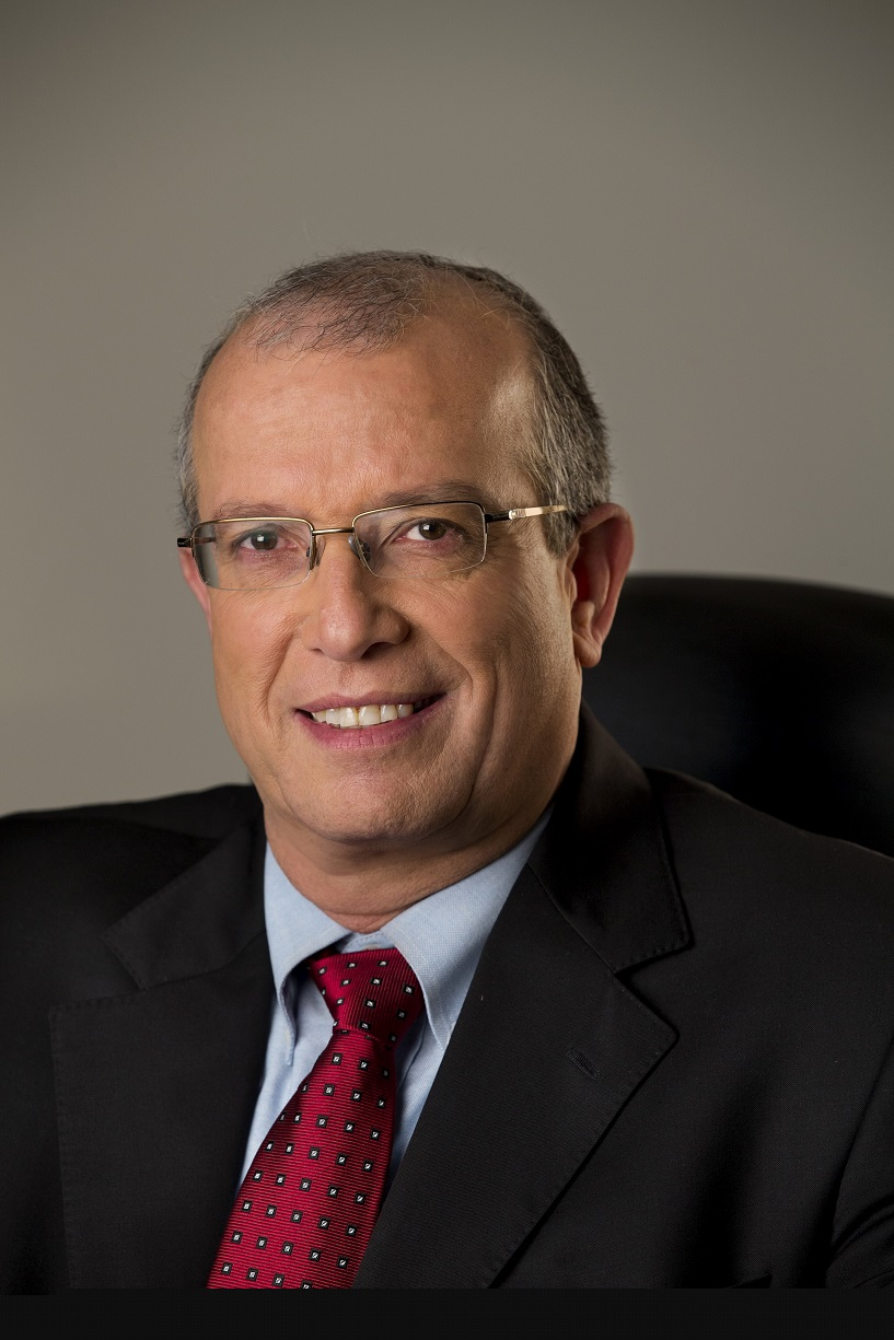 Joseph Weiss IAIs president and CEO 40 porcento