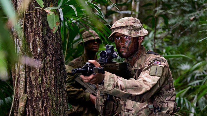 Royal Marines treinam na selva de Belize 2