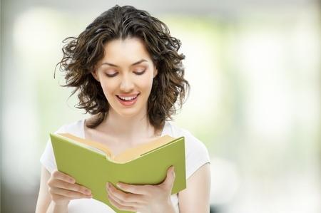 El placer de leer libros malos