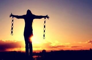 10 صفات للصديقة السّامة وكيفية تخلصك منها ج2/2