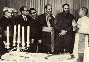 Fidel Castro recibe al cuerno pequeño en 1967