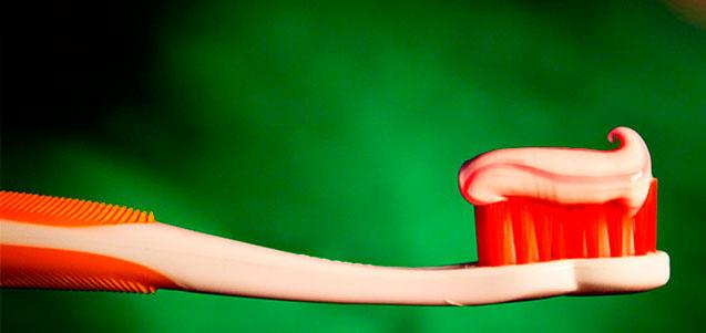 Cepillos dentales eléctricos o convencionales. ¿Cuál elegir?