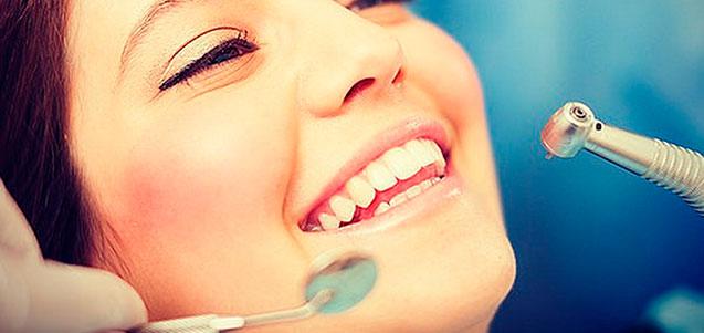 ¿En qué consiste un curetaje dental?