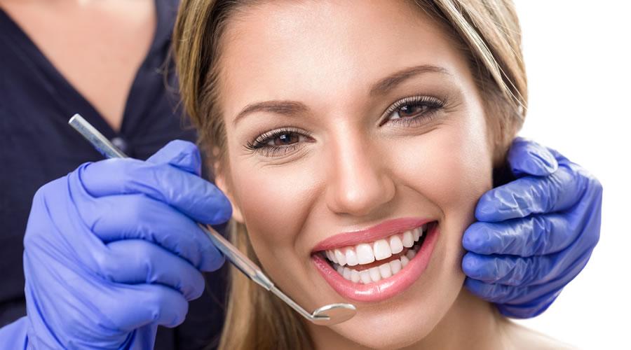 Sonrisa despues de blanqueamiento dental