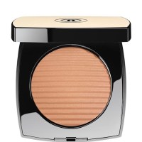 CHANEL Les Beiges Healthy Glow Luminous Colour Medium Light $58