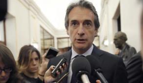 El ministro de Fomento, Íñigo de la Serna. JUAN CARLOS HIDALGO (EFE)http://diariodepontevedra.galiciae.com/noticia/678988/de-la-serna-ve-imposibles-las-pretensiones-de-los-estibadores-pero-espera-un-acuerdo