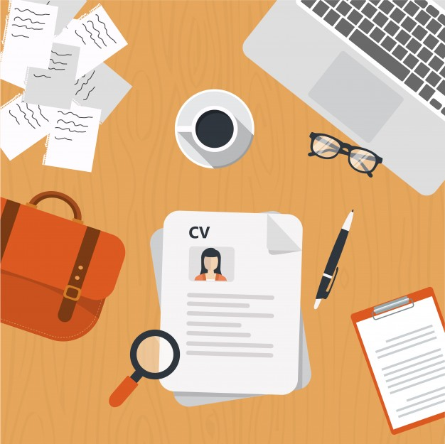 cv-papers-on-desk_1325-32