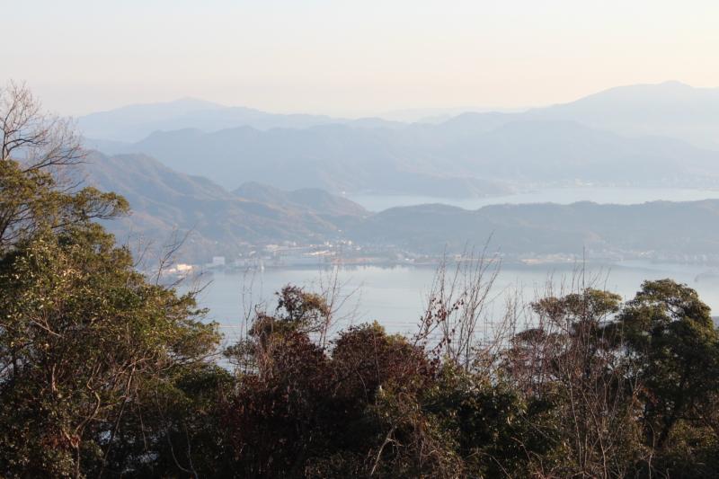 野登呂山から見た術科学校