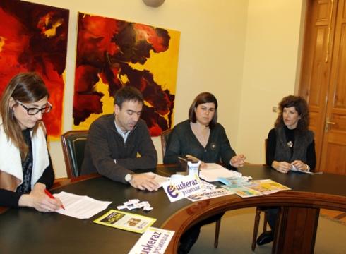 Denda eta tabernetan euskera sustatzeko ekimenak, Euskeraz Primeran kanpainaren eskutik
