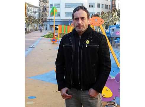 """Unax Blanco, dokumentalen zuzendaria: """"Migratzaileen gaia tristurarekin tratatzen badugu, hesi gehiago jarriko ditugu"""""""