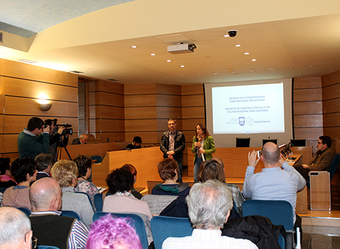 Eibar-Maltzaga bidegorriaren proiektuaren aurkezpena egin dute gaur