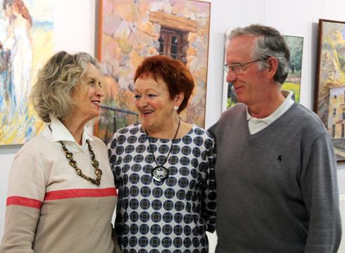 Cristina Azpiri, Elisabet Eguren eta Esteban Oroz artisten lanak ikusgai daude Untzagako jubilatu etxean