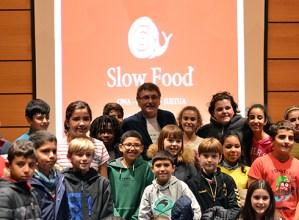 """Lehenengoz egin den """"Slow Food"""" jardunaldia interes handiarekin jarraitu du jendeak"""