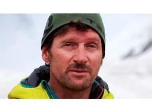"""Juan Vallejo, alpinista: """"Bidaiak merezi izatea bilatzen dut"""""""