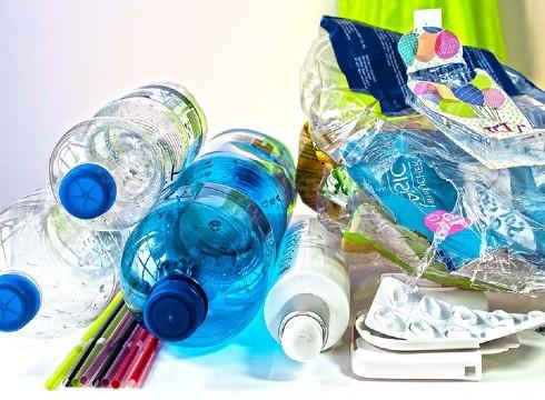 Mplastikozko botilak