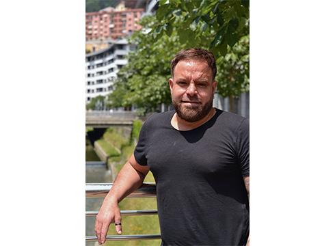 Julian Gonzalo Iroz, bizitza berrira ikasbidaia