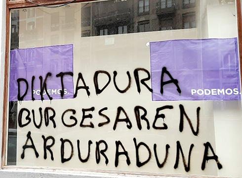 Pintaketak egin dizkiote Podemos-Ahal Dugu alderdiaren egoitzari