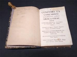 Udal liburutegiak Juan Antonio Mogelek idatzitako bi liburu berezi erosi ditu