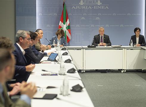 """Euskadiko """"egoera larria"""" dela eta, Iñigo Urkullu lehendakariak ez du baztertzen murrizketa gogorragoak ezarri behar izatea"""
