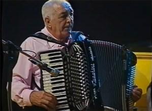 """Miguel Sagastume """"Urkiko Magoa"""" soinujole eibartarra hil da, 90 urterekin"""