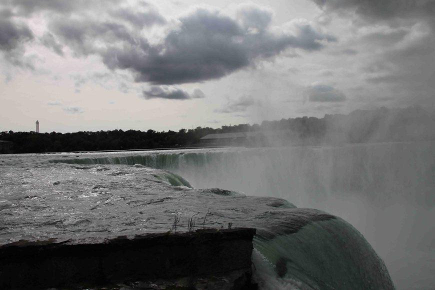 horseshoe falls at Niagara Falls on the Seaway Trail