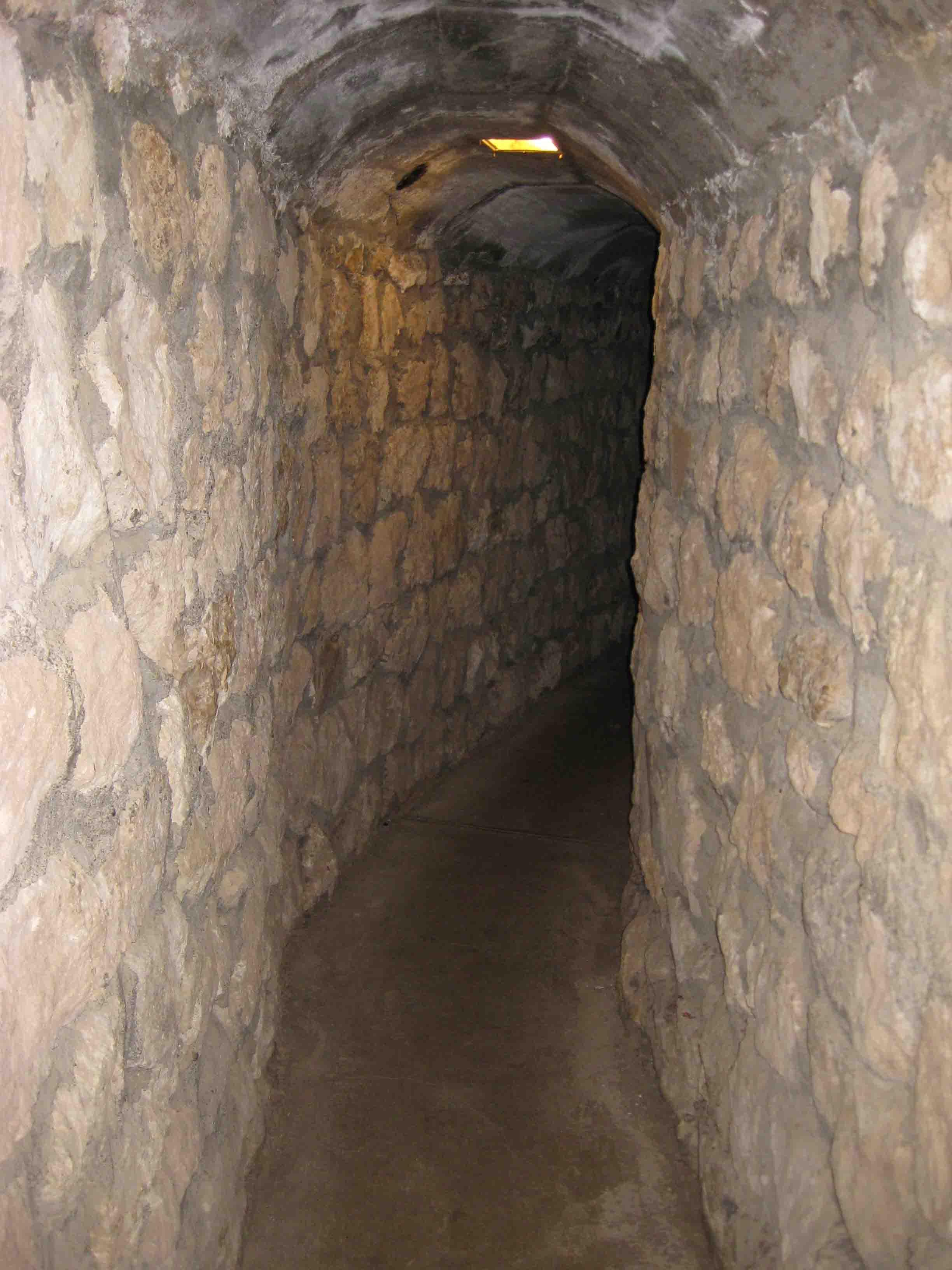 tunnel between buildings at Dalton Gang Hideout