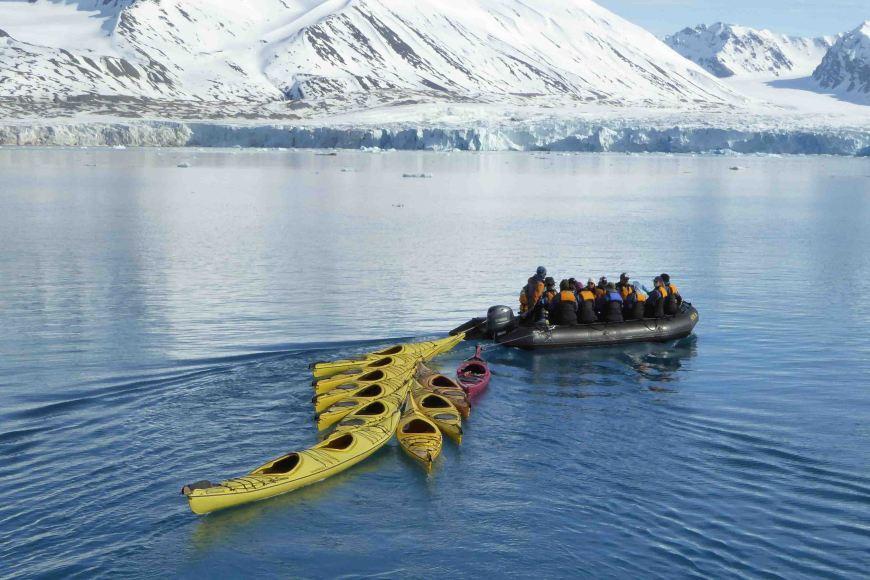 towing the kayaks at Monacobreen