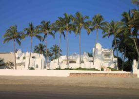 img_9630-on-the-beach