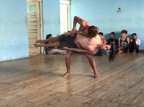 20170208_202347302_ios-dance