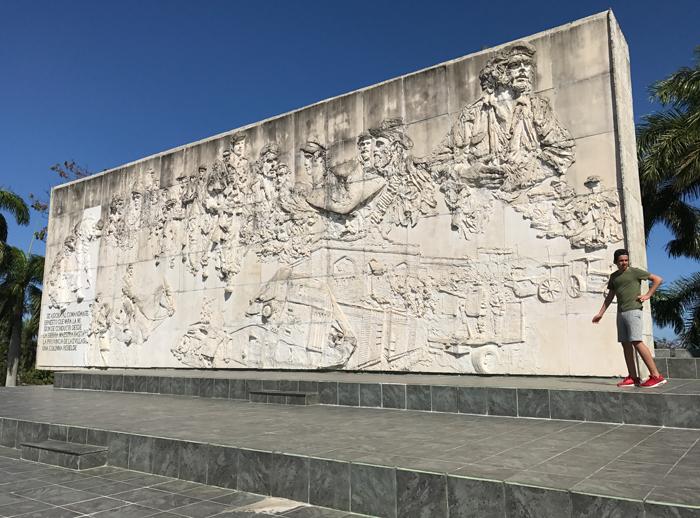 20170211_155445672_ios-wall