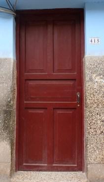 p2040006-door