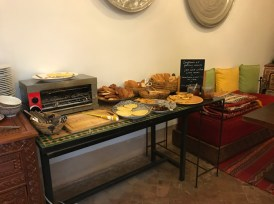 20170303_084216517_iOS-breakfast